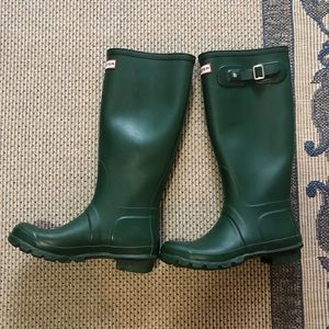 Hunter Green Classic Tall Rain Boots